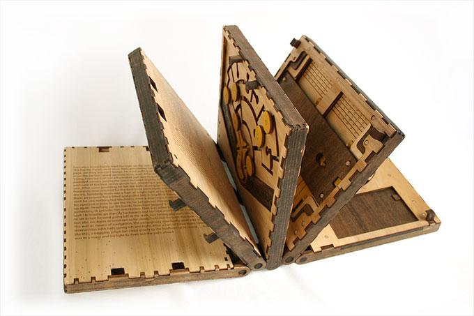 Skaparen av pusselbok i trä drog in 200 000 dollar via Kickstarter – på sex timmar