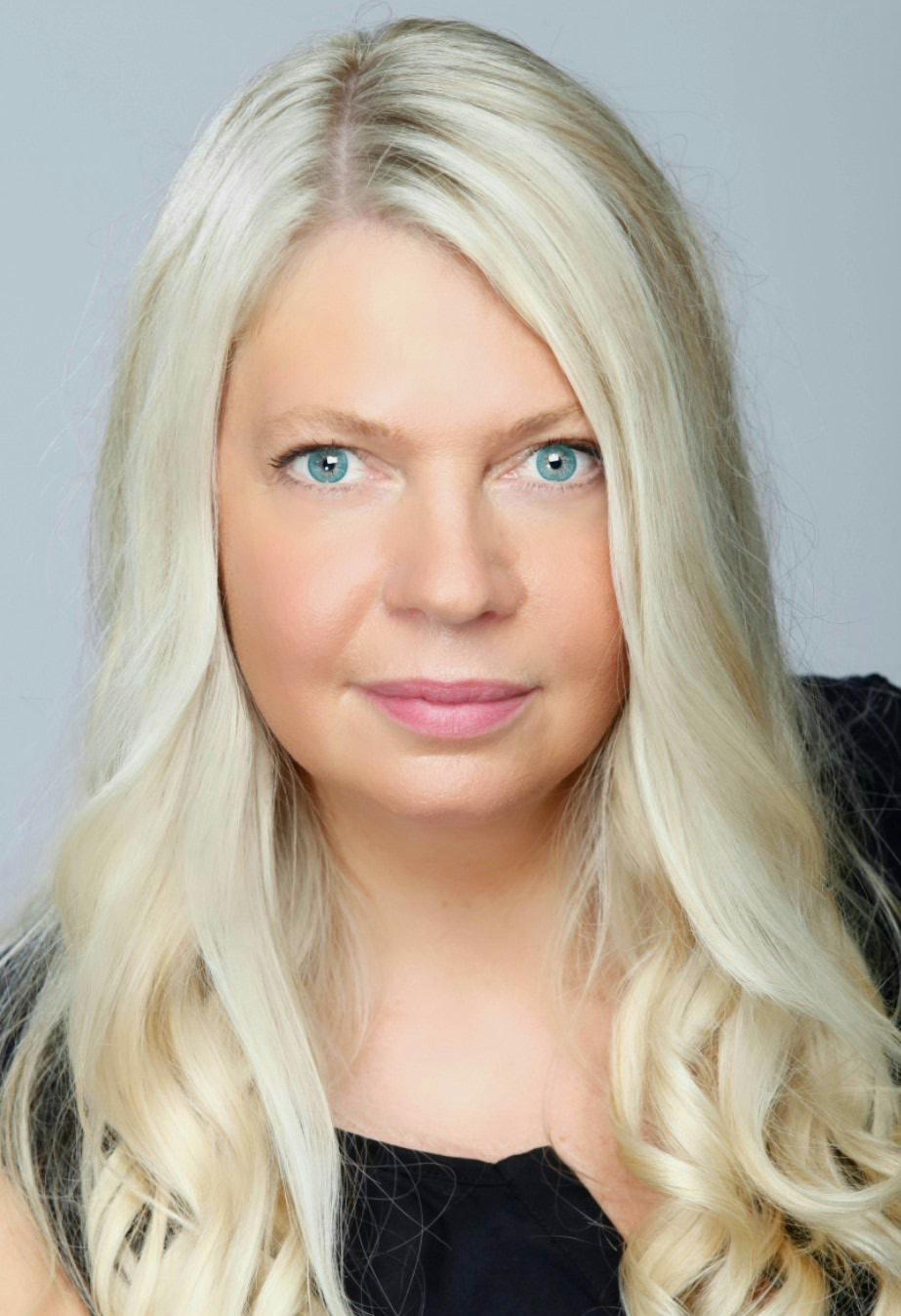 Anna Ihrén har sålt 10 000 ex av sina egenutgivna västkustdeckare