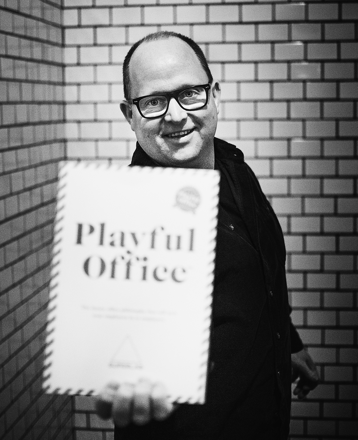 Samuel West: Avhandling i organisationspsykologi blev till boken Playful Office